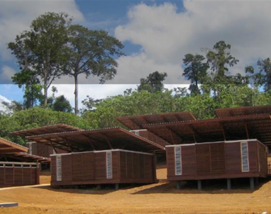 Un bâtiment en site isolé